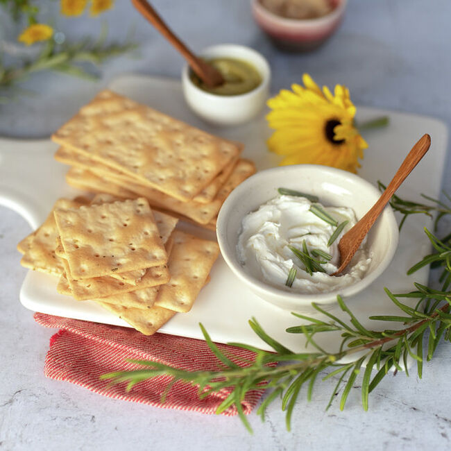 ROSEMARY CRACKERS 7.4 OZ image number null